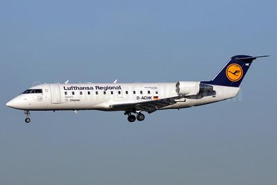 Lufthansa Regional-CityLine Bombardier CRJ200 (CL-600-2B19) D-ACHK (msn 7499) LHR (Antony J. Best). Image: 902976.