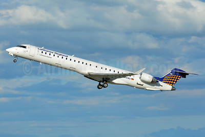 Lufthansa Regional-CityLine Bombardier CRJ900 (CL-600-2D24) D-ACNU (msn 15267) BSL (Paul Bannwarth). Image: 938937.