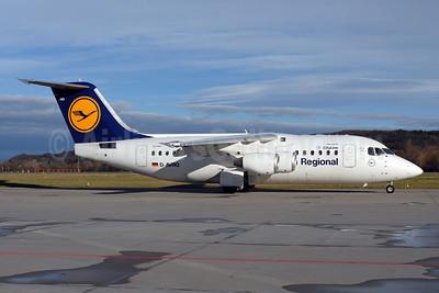Lufthansa Regional-CityLine BAe RJ85 D-AVRQ (msn E2304) ZRH (Rolf Wallner). Image: 905731.