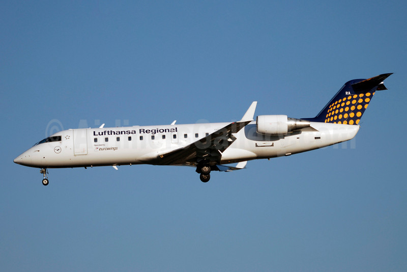 Lufthansa Regional-Eurowings Bombardier CRJ200 (CL-600-2B19) D-ACRA (msn 7567) GVA (Paul Denton). Image: 903573.