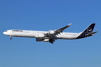 Lufthansa Airbus A340-642 D-AIHI (msn 569) LAX (Michael B. Ing). Image: 944709.