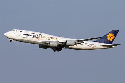 Lufthansa's winning German World Cup team airplane