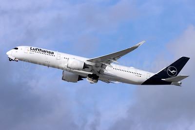 Lufthansa Airbus A350-941 D-AIXL (msn 255) LAX (Michael B. Ing). Image: 953353.