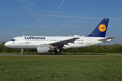 Lufthansa Airbus A319-114 D-AILM (msn 694) ZRH (Rolf Wallner). Image: 946438.