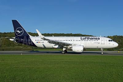 Lufthansa Airbus A320-214 WL D-AIZW (msn 5694) ZRH (Rolf Wallner). Image: 947877.