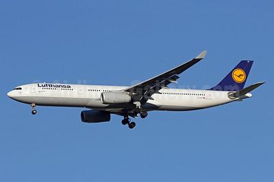 Lufthansa Airbus A330-343 D-AIKF (msn 642) IAD (Brian McDonough). Image: 937796.