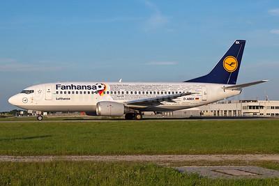 """Lufthansa's 2016 Boeing 737-300 """"Fanhansa"""" special livery"""