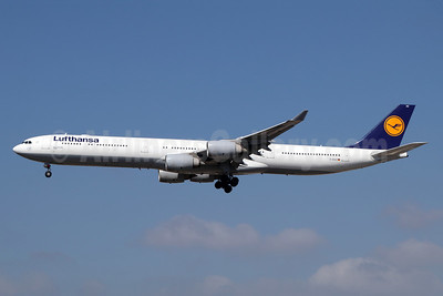 Lufthansa Airbus A340-642 D-AIHZ (msn 1005) LAX (Michael B. Ing). Image: 943864.