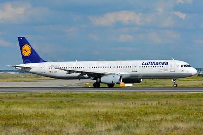 Lufthansa Airbus A321-131 D-AIRF (msn 493) FRA (Paul Bannwarth). Image: 939282.
