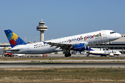 Small Planet Airlines Germany starts operations