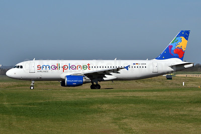 Small Planet Airlines (Germany) Airbus A320-214 D-ABDB (msn 2619) BHX (Fred Freketic). Image: 937361.