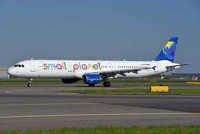 Small Planet Airlines (Germany) Airbus A321-211 D-ASPD (msn 808) AMS (Ton Jochems). Image: 941834.