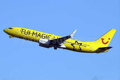 "TUI's 2016 ""TUI Magic Life"" logo jet"
