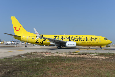 """TUI Magic Life"" special livery"