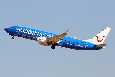 """2021 version of the Robinson """"Share the moment"""" logo jet"""