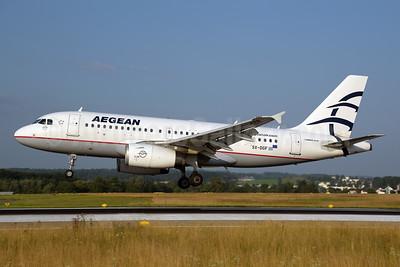 Aegean Airlines Airbus A319-132 SX-DGF (msn 2468) ZRH (Rolf Wallner). Image: 954478.