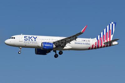 Sky Express (Greece) Airbus A320-251N WL SX-WEB (msn 9507) (Greece is bliss) LHR (Richard Vandervord). Image: 955420.