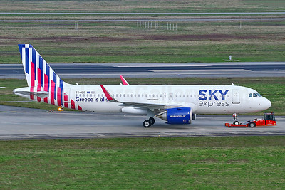 First Airbus A320neo, new livery