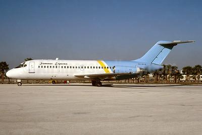Summer Express (Venus Airlines) McDonnell Douglas DC-9-21 SX-BFS (msn 47305) (Valujet colors) MIA (Bruce Drum). Image: 104150.