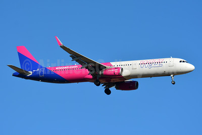 Wizz Air  (Hungary) Airbus A321-231 WL HA-LTF (msn 8328) BSL (Paul Bannwarth). Image: 945831.