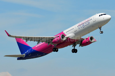 Wizz Air  (Hungary) Airbus A321-231 WL HA-LXQ (msn 7623) BSL (Paul Bannwarth). Image: 937606.