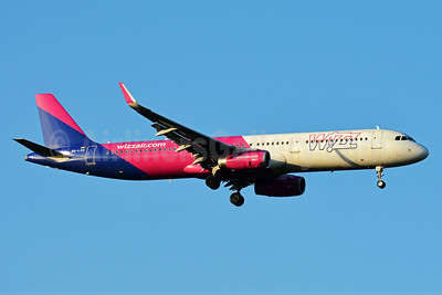 Wizz Air  (Hungary) Airbus A321-231 WL HA-LXD (msn 7032) BSL (Paul Bannwarth). Image: 938323.