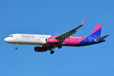 Wizz Air  (Hungary) Airbus A321-231 WL HA-LXR (msn 7647) BSL (Paul Bannwarth). Image: 946626.