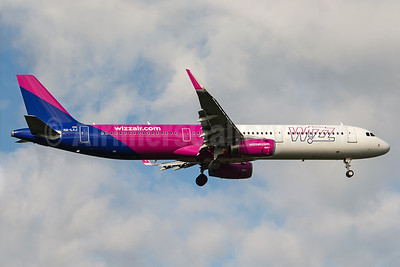 Wizz Air  (Hungary) Airbus A321-231 WL HA-LXJ (msn 7316) BHX (Rob Skinkis). Image: 938156.