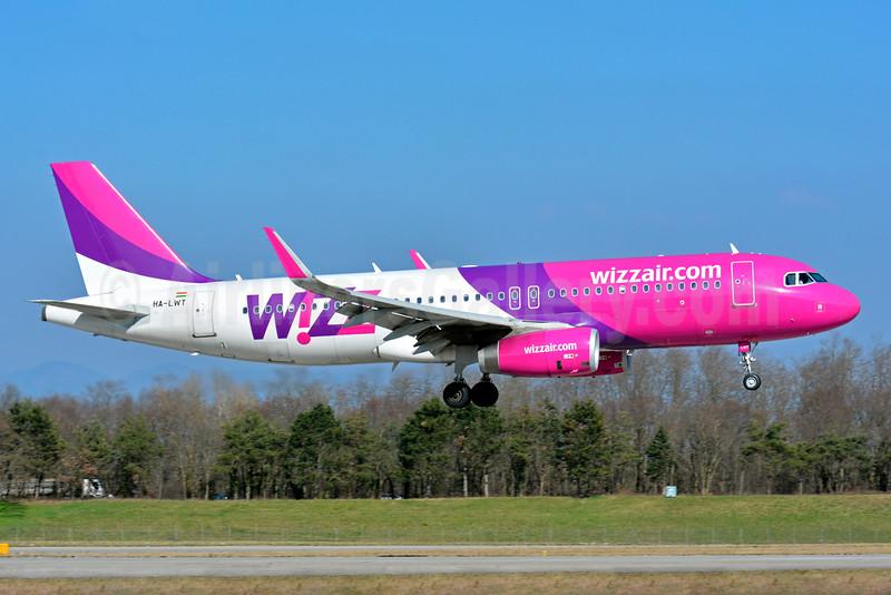 Wizz Air (wizzair.com) (Hungary) Airbus A320-232 WL HA-LWT (msn 5615) BSL (Paul Bannwarth). Image: 934525.