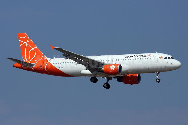 Iceland Express Airbus A320-214 OK-LEE (msn 2719) (Holidays colors) AYT (Andi Hiltl). Image: 920462.