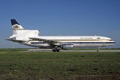 Icelandair (ATA) Lockheed L-1011-385-1 TriStar 1 N186AT (msn 1074) (ATA colors) IND (Phil Brooks). Image: 948541.