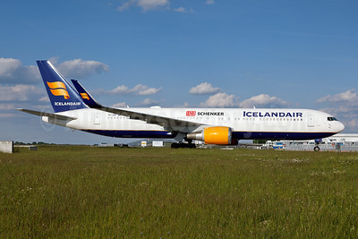 Icelandair flies  Shanghai - Munich on a daily basis to transport medical supplies to Germany