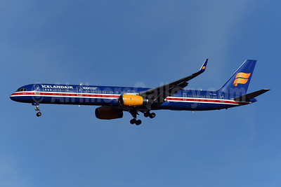 Icelandair Boeing 757-3E7 WL TF-ISX (msn 30179) (100 Years Icelandic Independence) LHR (Rolf Wallner). Image: 948300.