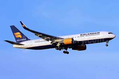 Icelandair Boeing 767-319 ER WL TF-ISP (msn 26971) IAD (Brian McDonough). Image: 937611.