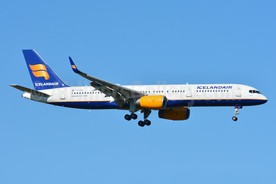 Icelandair Boeing 757-28A WL TF-FIK (msn 26276) ZRH (Paul Bannwarth). Image: 932244.