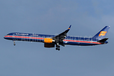 Icelandair Boeing 757-3E7 WL TF-ISX (msn 30179) (100 Years Icelandic Independence) LHR (SPA). Image: 948299.