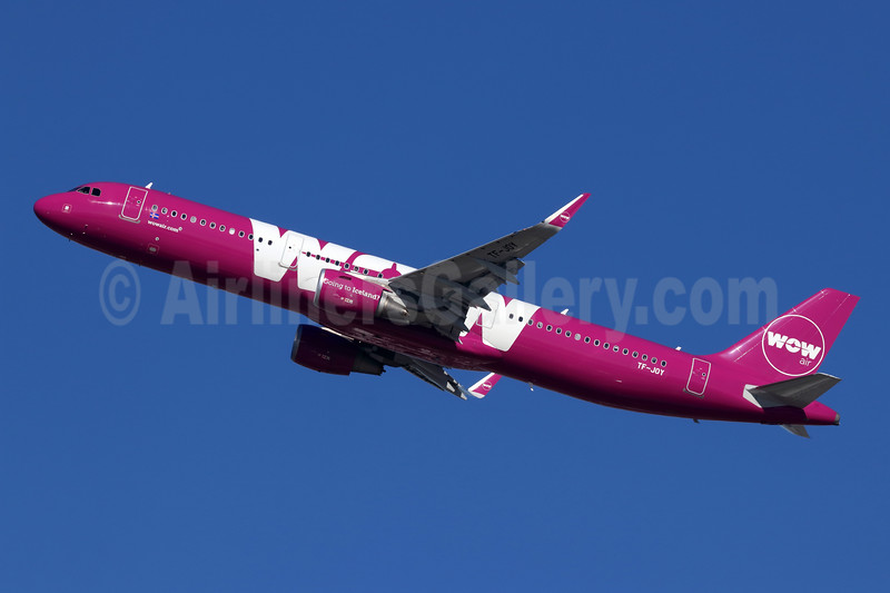 Wow Air Airbus A321-211 WL TF-JOY (msn 7433) LAX (Michael B. Ing). Image: 944977.