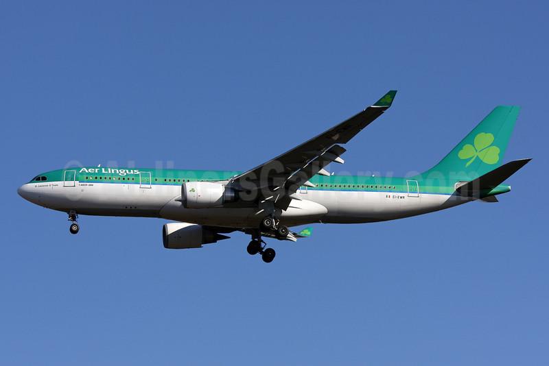 Aer Lingus Airbus A330-202 EI-EWR (msn 330) IAD (Brian McDonough). Image: 901919.