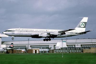 Aer Lingus-Irish International  Boeing 707-349C EI-ASN (msn 18976) LHR (Richard Vandervord). Image: 902539.