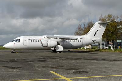 CityJet (Ireland) BAe RJ85 EI-RJE (msn E2335) AMS (Ton Jochems). Image: 930501.