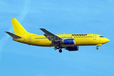 Ryanair Boeing 737-3Q8 G-BZZJ (msn 26321) (Buzz colors) STN (Jay Selman). Image: 403991.