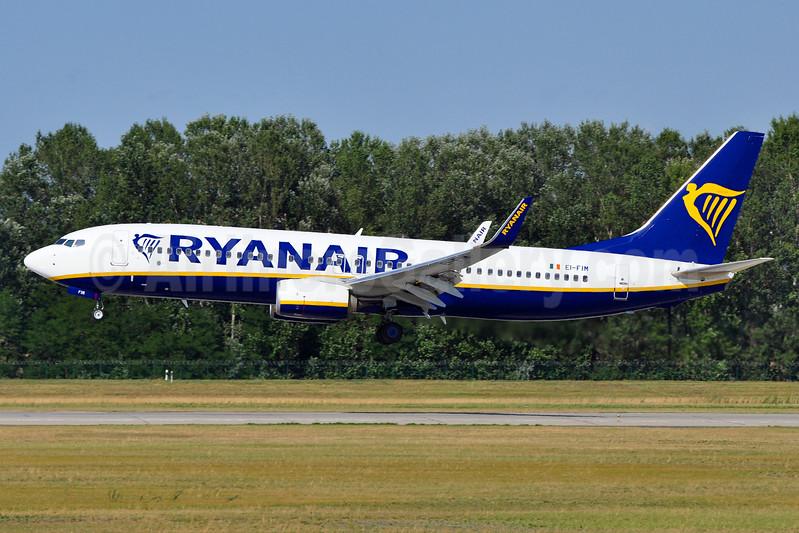 Ryanair Boeing 737-8AS WL EI-FIM (msn 61576) BUD (Tony Storck). Image: 940737.