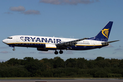 Ryanair Boeing 737-8AS EI-DHJ (msn 33819) BOH (Antony J. Best). Image: 902575.