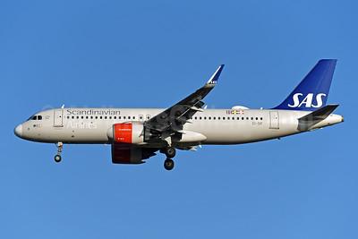 Scandinavian Airlines-SAS (Ireland) Airbus A320-251N WL EI-SIF (msn 8109) LHR (Rolf Wallner). Image: 948283.