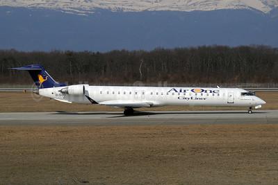 Air One Bombardier CRJ900 (CL-600-2D24) EI-DOU (msn 15068) GVA (Paul Denton). Image: 910160.