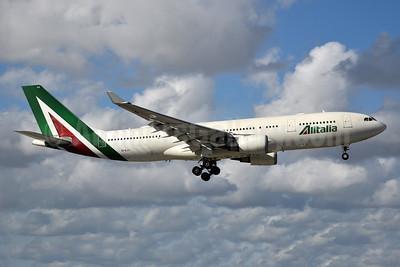 Alitalia (3rd) (Societa Aerea Italiana) Airbus A330-202 EI-EJJ (msn 1225) MIA (Bruce Drum). Image: 104900.