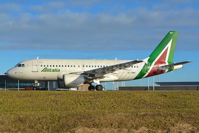 Alitalia (3rd) (Societa Aerea Italiana) Airbus A319-112 EI-IMF (msn 2083) AMS (Marco Finelli). Image: 936525.