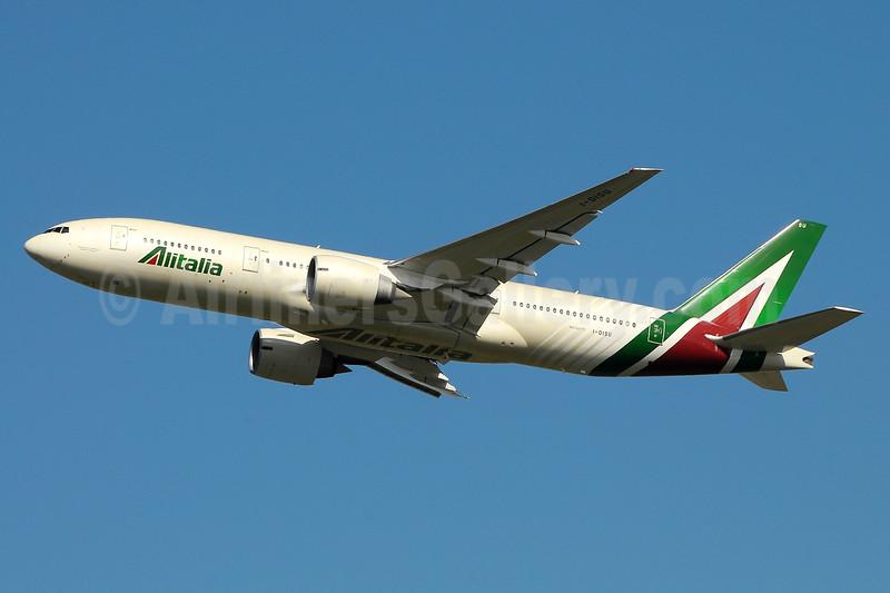 Alitalia (3rd) (Societa Aerea Italiana) Boeing 777-243 ER I-DISU (msn 32858) FCO (Marco Finelli). Image: 937164.
