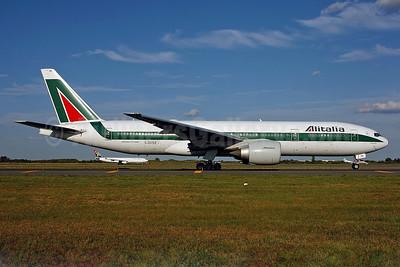 Alitalia (1st) (Linee Aeree Italiane) Boeing 777-243 ER I-DISE (msn 32856) JFK (Ken Petersen). Image: 900816.