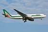 Alitalia (3rd) (Societa Aerea Italiana) Airbus A330-202 EI-EJP (msn 1354) JFK (Jay Selman). Image: 403150.